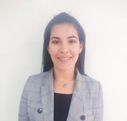 Adriana HerreraEjecutiva Comercial
